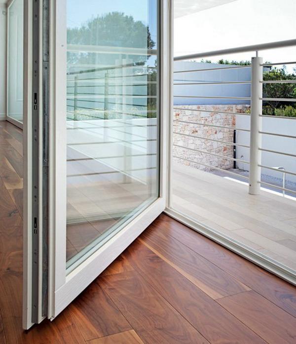 деревянные двери на терассу